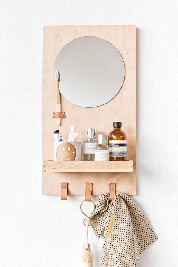 A Modern DIY Bathroom Organizer