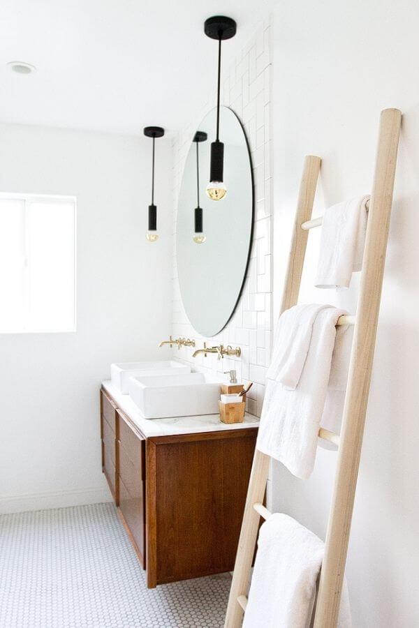 Bathroom Refresh & DIY Towel Ladder