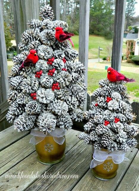 DIY Winter Pine Cone Tree