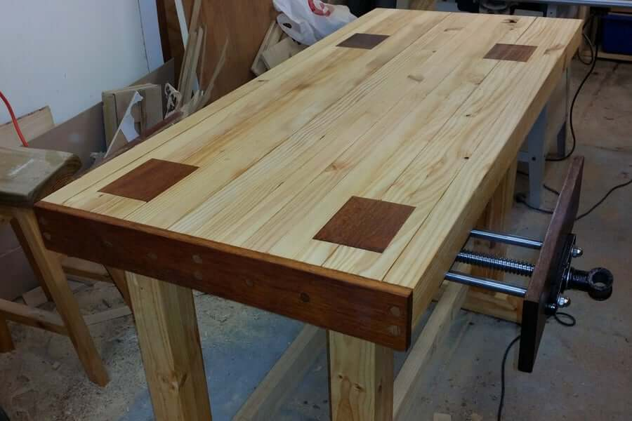 Durable And Cheap 2×4 Workbench