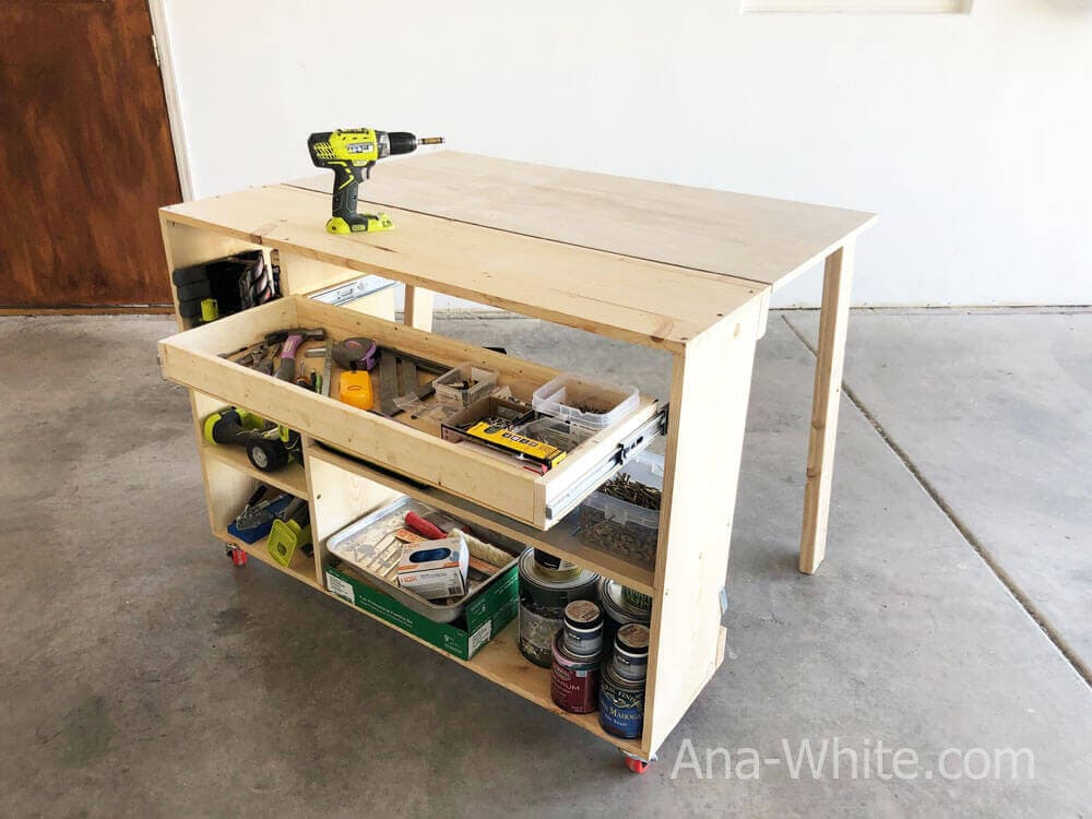 Knock-Down Workbench With Dividers