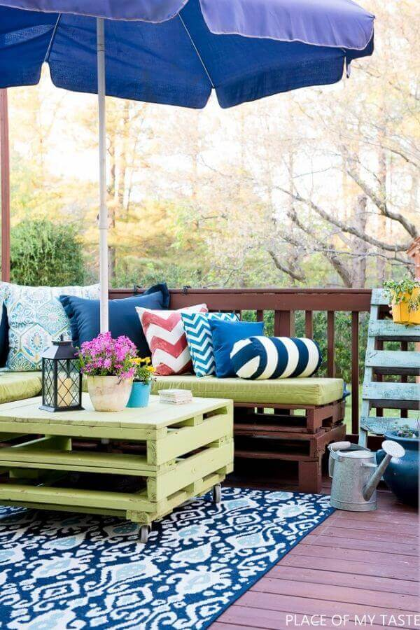 Pallet Furniture Patio Makeover
