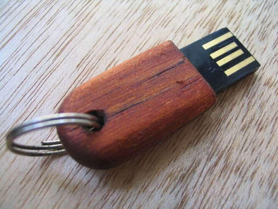Tiny Wooden USB Driver
